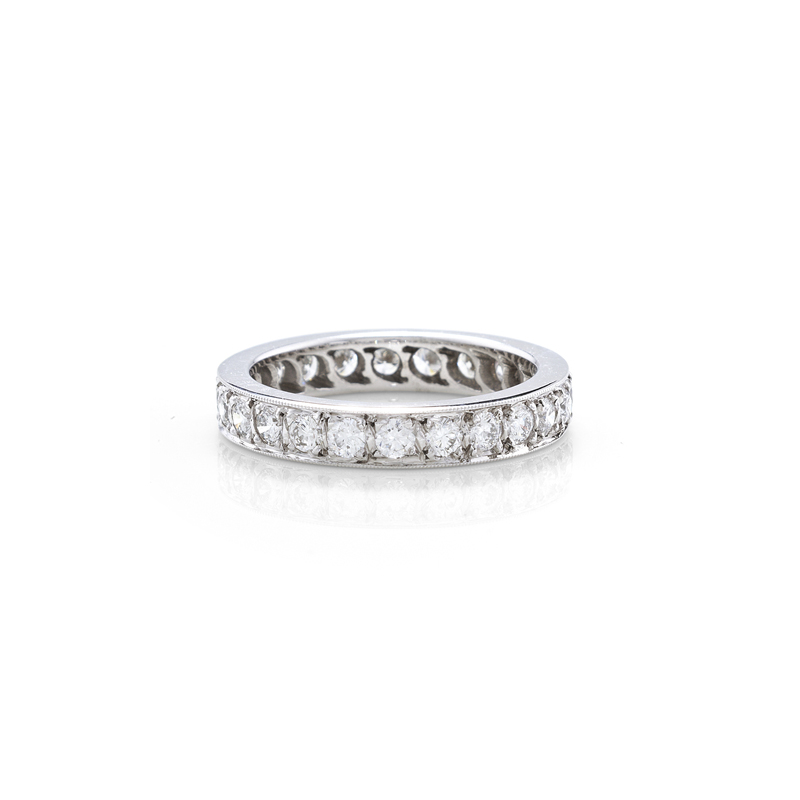 Classical style brilliant cut full eternity ring