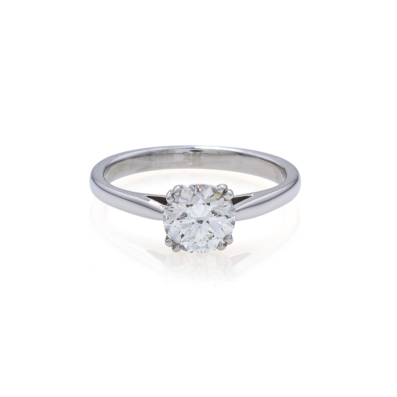 Classical style solitaire brilliant cut diamond, claw set